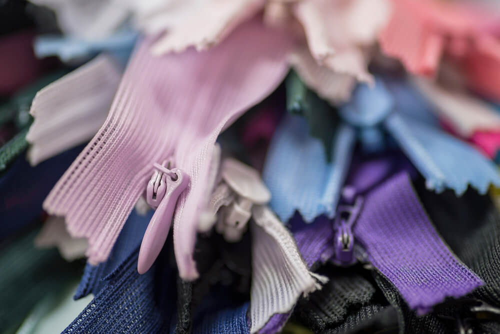 How to insert a zip - a bundle of brightly coloured zips