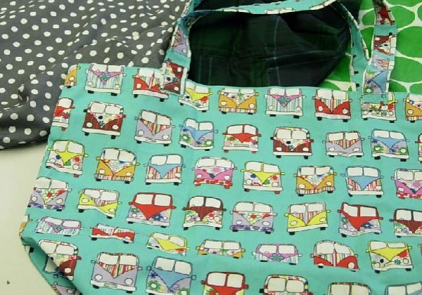 Tote bag - a foldable bag is an easy sewing project for children